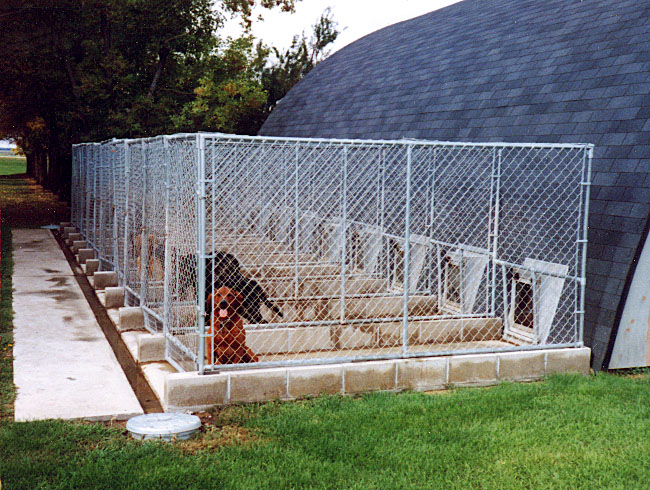 Kennel floor septic systems for Dog breeding kennel design